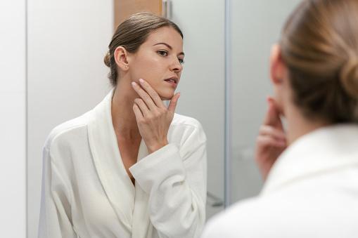 Comment pourrait-on lutter contre les poils incarnés?